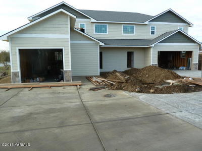 Yakima Multi Family Home For Sale: 604 S 82nd Ave