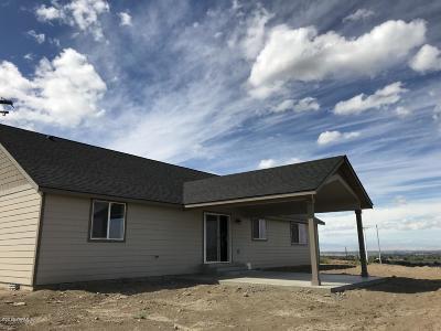 Single Family Home For Sale: 2012 Jennifer Dr