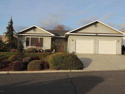 Yakima Single Family Home For Sale: 5205 Sycamore Dr