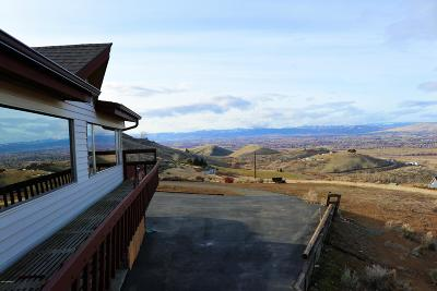 Yakima Single Family Home For Sale: 421 View Point Dr