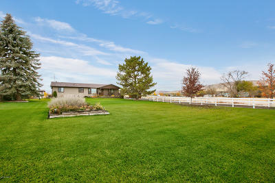Yakima Single Family Home For Sale: 610 Willow Lawn Rd