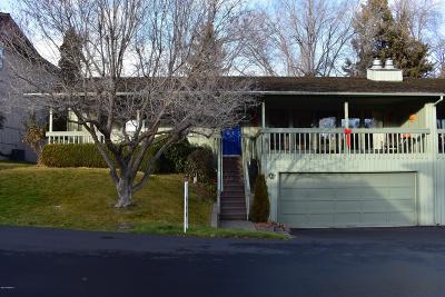 Yakima Condo/Townhouse For Sale: 7 Burning Tree Dr