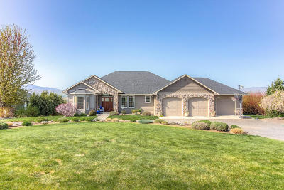 Selah Single Family Home For Sale: 826 Lookout Point Rd
