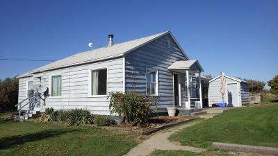 Zillah Single Family Home Contingent: 261 N Zickler Rd
