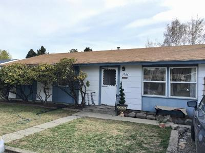 Yakima Single Family Home Contingent: 1704 W Mead Ave