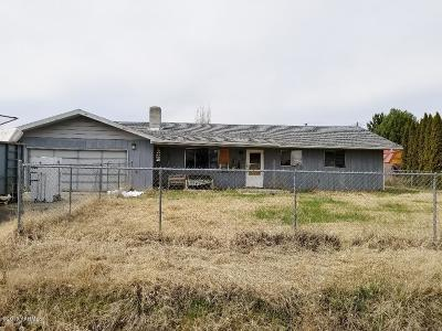 Yakima Single Family Home Contingent: 1904 S 47th Ave