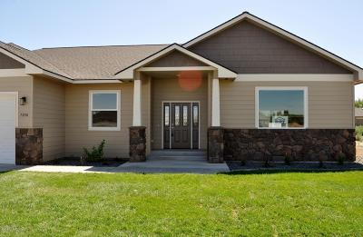 Yakima Single Family Home For Sale: 2113 S 70th Ave
