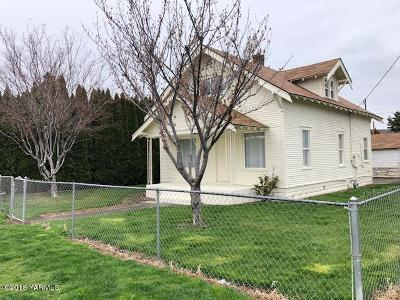 Yakima County Single Family Home For Sale: 1201 Swan Ave