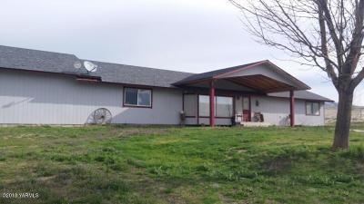 Naches, Cowiche, Tieton, Gleed, Moxee, Union Gap Single Family Home For Sale: 12471 Postma Rd