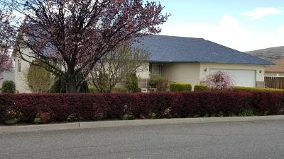 Yakima Single Family Home Ctg Release Clause: 104 N 57th St