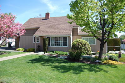 Yakima County Single Family Home For Sale: 101 N 56th Ave