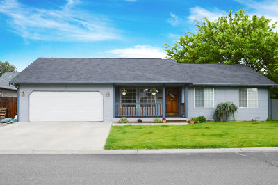 Yakima Single Family Home For Sale: 1714 Parsons Lp