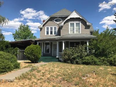 Yakima Single Family Home For Sale: 1209 N 4th St