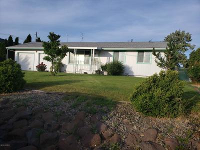 Yakima Single Family Home For Sale: 103 Canyon Rd