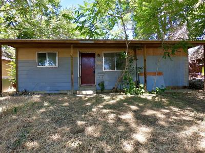 Yakima County Single Family Home For Sale: 811 E Toppenish Ave