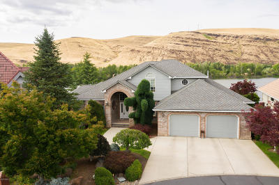 Yakima Single Family Home Contingent: 2005 Evergreen Ct