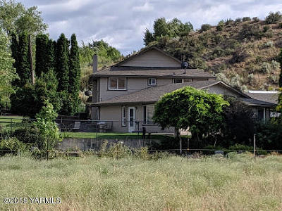 Yakima Single Family Home For Sale: 15172 Cottonwood Canyon Rd