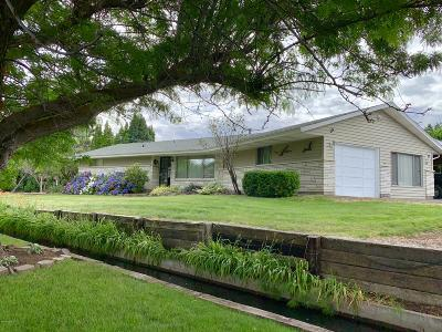 Yakima Single Family Home Contingent: 315 N 28th Ave