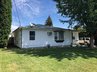 Yakima County Single Family Home Contingent: 1203 Stassen Way