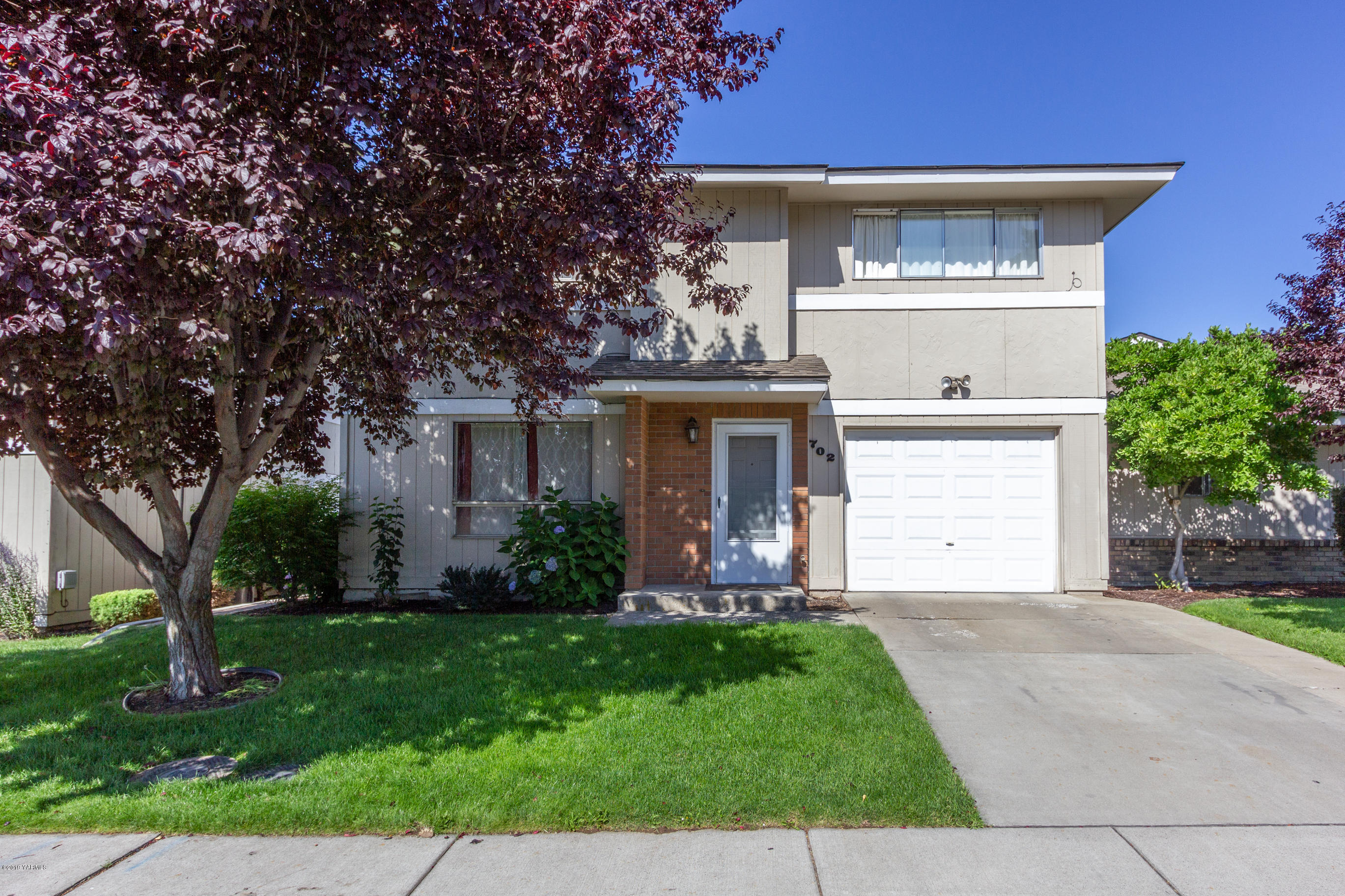 702 S 45th Ave ##2, Yakima, WA   MLS# 19-1774   Jody Hurst