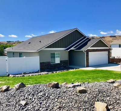 Naches Single Family Home For Sale: 10248 Old Naches Hwy