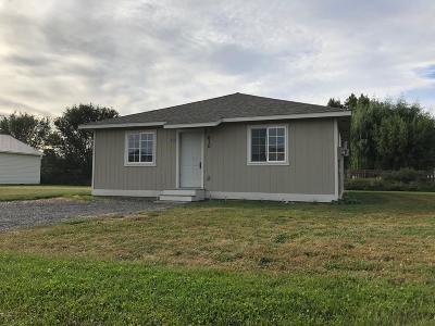 Yakima County Single Family Home For Sale: 610 Matthew St