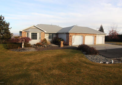 Yakima Single Family Home Ctg Financing: 801 Hennessy Rd