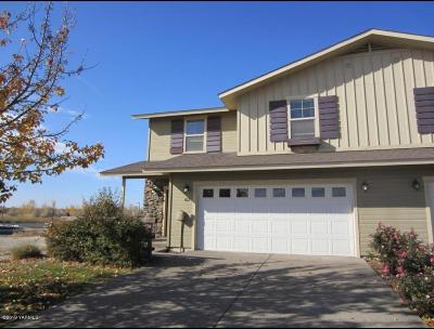 Zillah Single Family Home Contingent: 802 Fountain Blvd