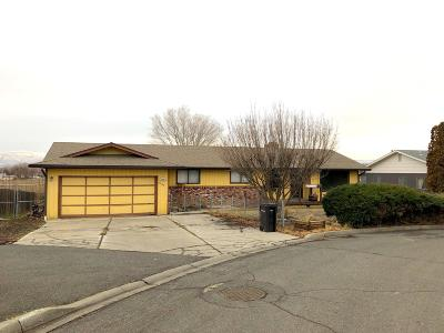 Yakima Single Family Home For Sale: 7002 W Lindgren Dr