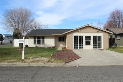 Yakima Single Family Home For Sale: 1810 S 66th Ave