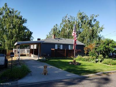 Yakima Single Family Home For Sale: 4202 Kroum Rd