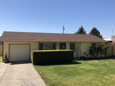 Yakima Single Family Home Contingent: 4408 Terrace Heights Dr
