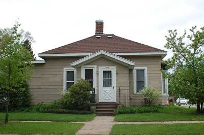 Stevens Point Single Family Home For Sale: 1600 East Avenue