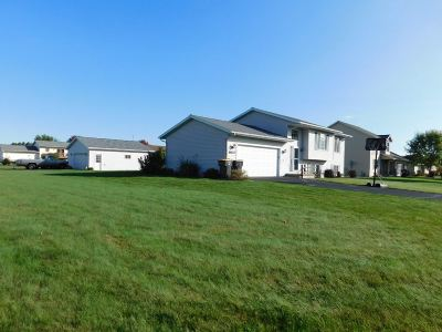 Weston WI Single Family Home Active - With Offer: $159,900