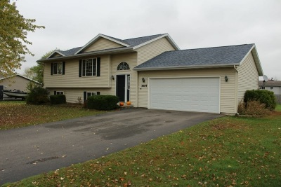 Weston WI Single Family Home For Sale: $175,000