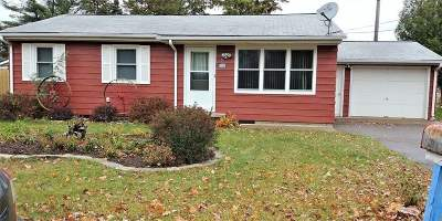 Wausau Single Family Home Active - With Offer: 1810 W Thomas Street