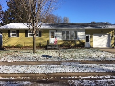 Rothschild WI Single Family Home Active - With Offer: $119,900