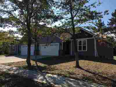Weston Single Family Home Active - With Offer: 3209 Weiland Avenue