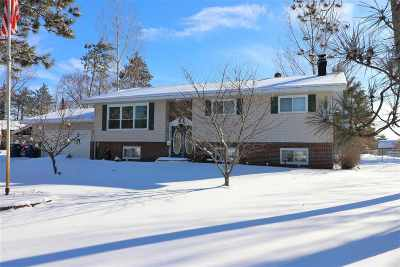 Mosinee Single Family Home Active - With Offer: 1530 Greenwood Drive