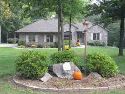 Wausau Single Family Home For Sale: 8640 Maple Crest Drive