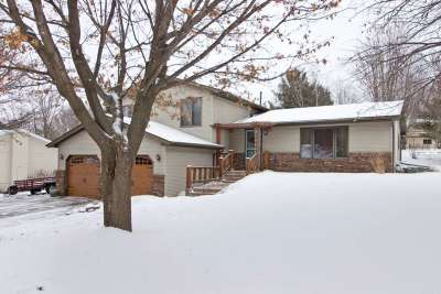 Wausau Single Family Home Active - With Offer: 4027 Briarwood Avenue