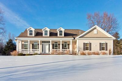 Wausau Single Family Home Active - With Offer: 1326 Golf Club Road