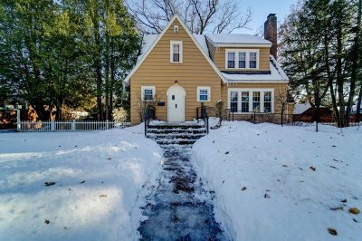 Wausau Single Family Home Active - With Offer: 1013 Graves Avenue