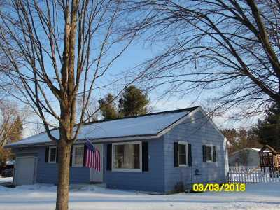 Wausau Single Family Home Active - With Offer: 1715 W Thomas Street