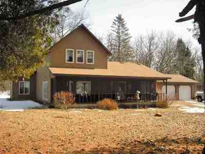 Iola Single Family Home Active - With Offer: N6792 County Road J
