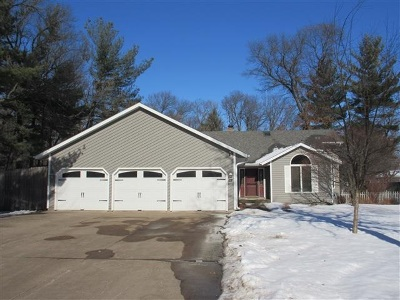 Stevens Point Single Family Home For Sale: 5456 Cardinal Drive