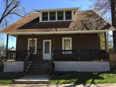 Merrill Single Family Home Active - With Offer: 509 N Scott Street