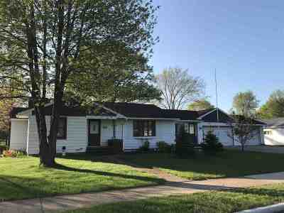 Mosinee Single Family Home Active - With Offer: 913 10th Street