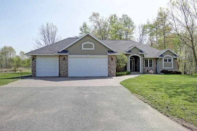 Weston Single Family Home Active - With Offer: 8603 Windsor Drive