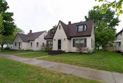 Wausau Single Family Home Active - With Offer: 829 S 11th Avenue